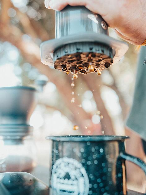 заваривание кофе в аэропрессе