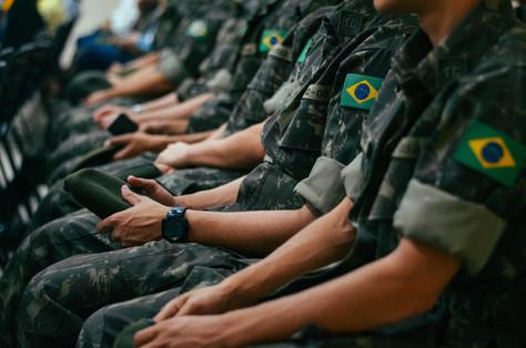 Concessão cumulativa do adicional de tempo de serviço com disponibilidade militar