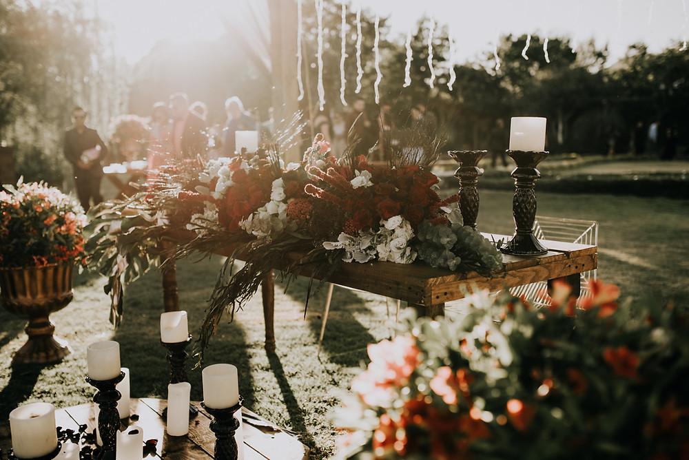 Bohemian wedding decor. Boho wedding decor. How to have a bohemian wedding | Boho wedding ideas on a budget.  Boho wedding ideas on a budget. How to Plan a boho wedding.