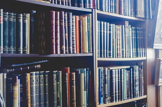 Biblioteca de CosmoSociología, Las leyes universales