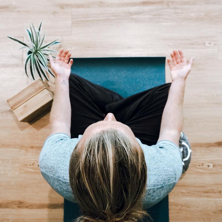 2 Plasser igjen: Hvilende Yin & Restorative + Myk Yoga i Bergen