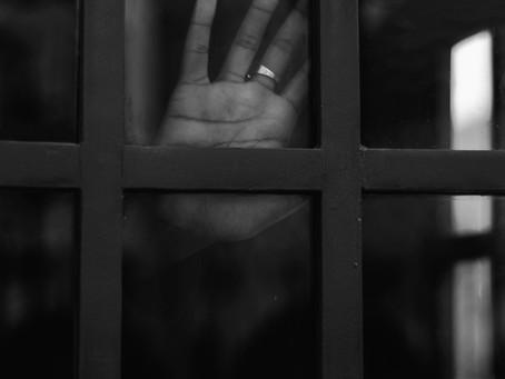 """A """"prisão"""" de Sara"""