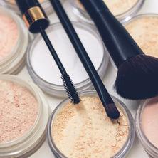 Gender-Neutral Makeup