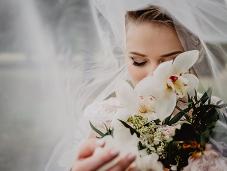 7 Ways to Save Money for your 2021 Wedding