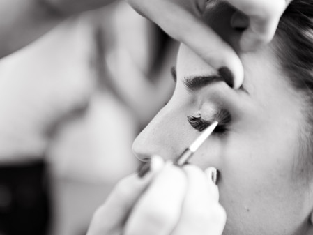 How to Reach Brides Searching for a Makeup Artist
