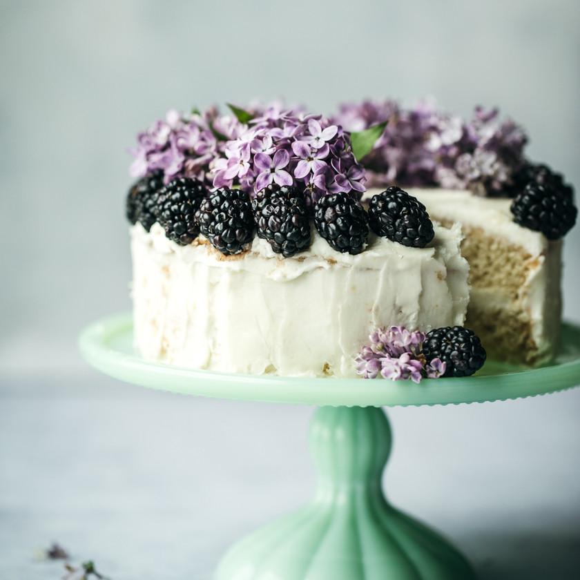 Micro wedding cake
