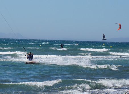 Kitesurfing,plăcereșipasiune! Sportulnautic, senzațiepelitoralulromânesc.
