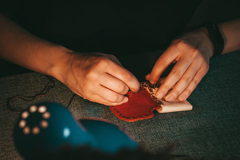 Hand-knitting a stocking