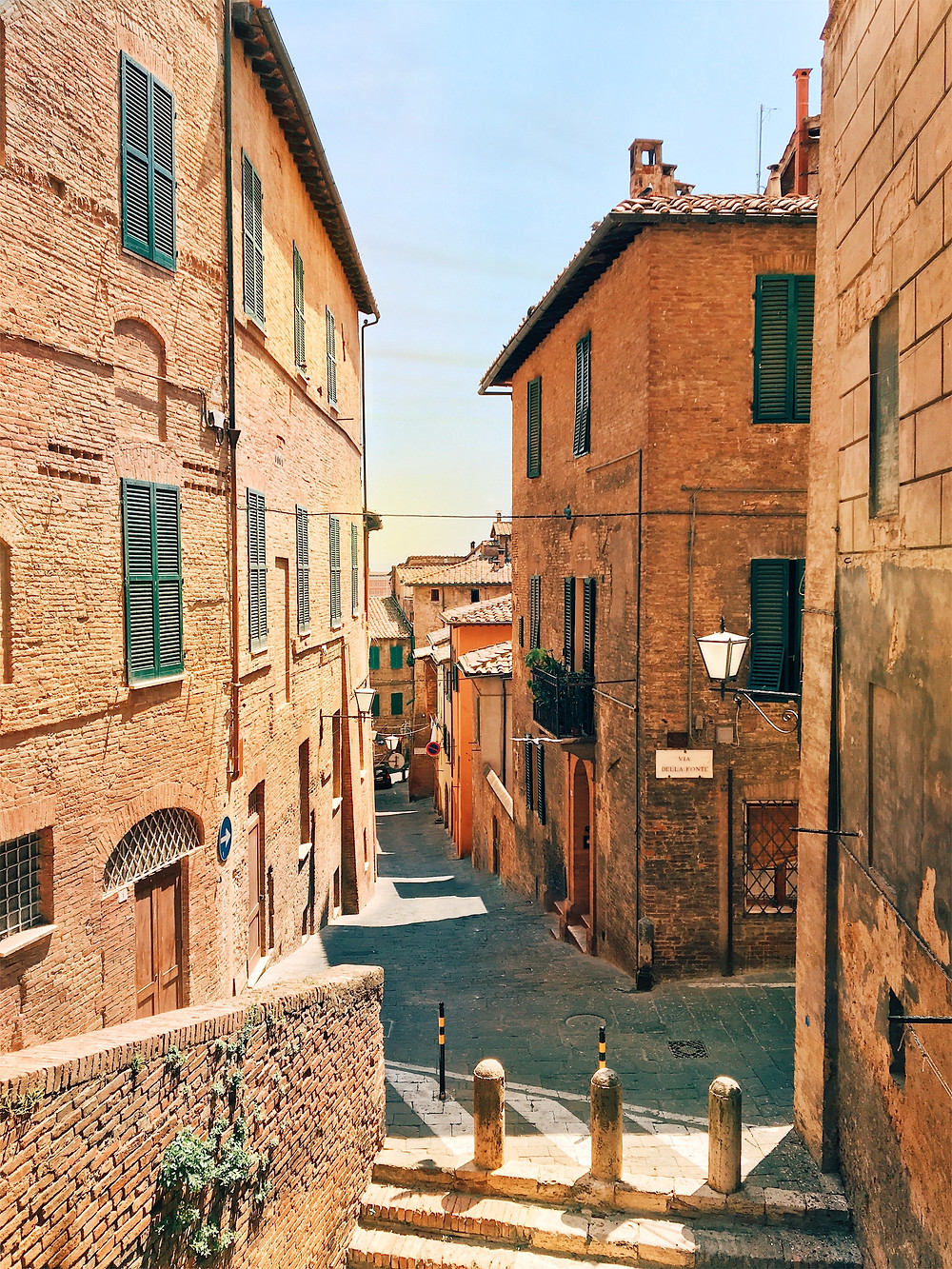 tiny meandering lane in Siena