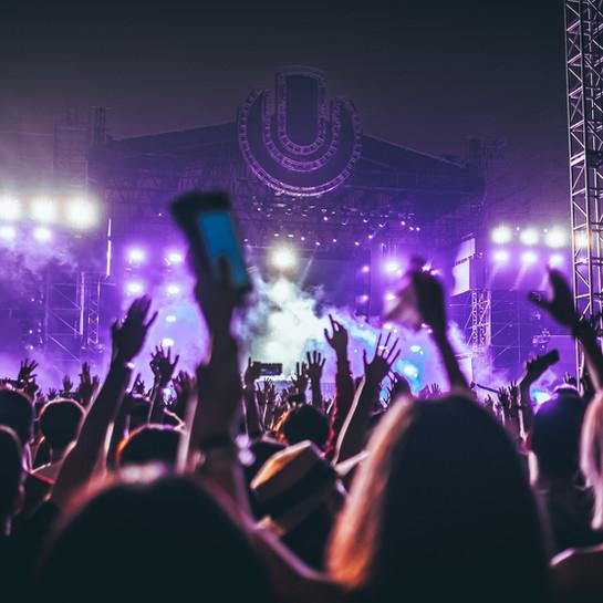 Crevits en Demir schieten festivals en evenementen te hulp