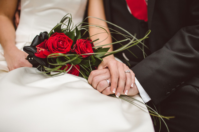 Simple red roses bridal bouquet