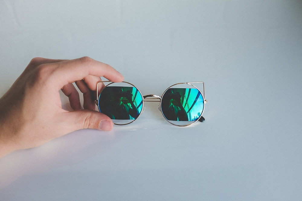 When choosing sunglasses let the quality guides you to the ideal style and not your strict desire to look trendy. Bad materials cause damage to your precious eyes. The doctor loves to just check and not treat your pain in your eyes. Be careful then buying this special object from official stores and ask about details on these original products.