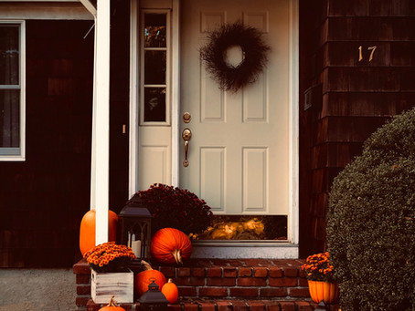 Cute and Affordable Front Porch Decor Ideas for Fall