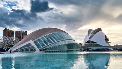 DESTINATION GUIDE: Valencia