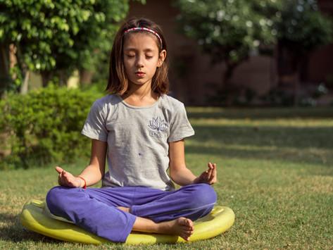 Superhero flow: Free child-friendly Yoga at home