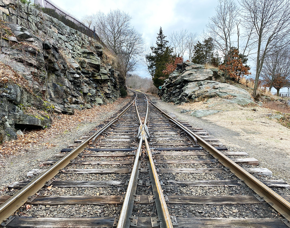 Train tracks merging