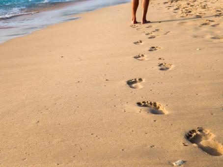 ¿Cómo practicar  Earthing o el caminar descalzos?