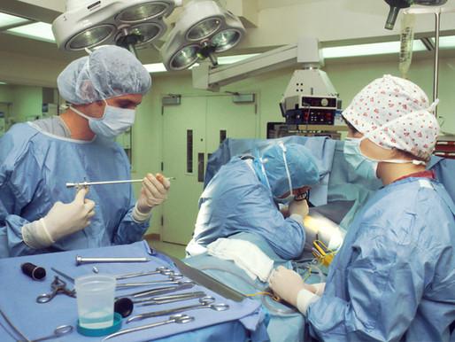Remise de 280 000 $ pour le financement de fournitures et petits équipements au bloc opératoire