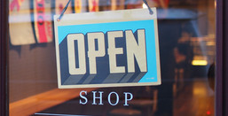 Brick and Mortar Stores vs Online Retail