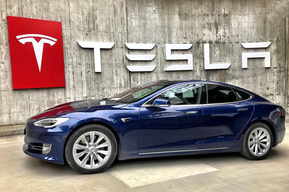 Tesla : une menace pour les assureurs ?