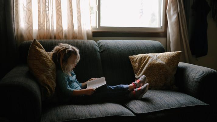目に見えない世界に入り込んでいくのが読書