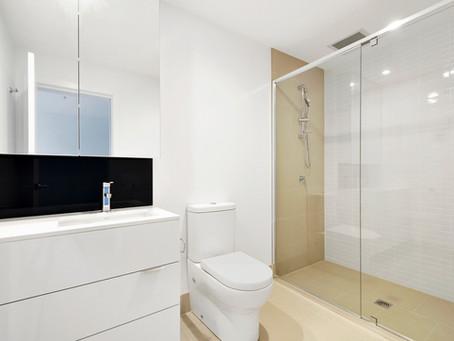 Como escolher a iluminação perfeita para banheiros?