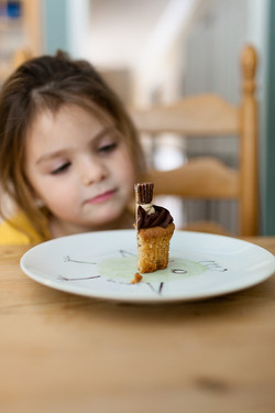I only eating cake!