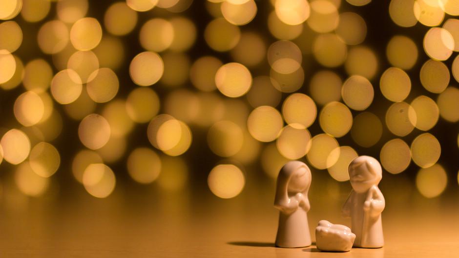 The Beauty of a Handmade Nativity to explain the Christmas Story