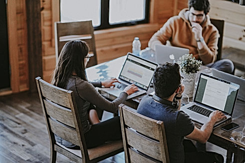 Contacta Reinvéntate I Startups