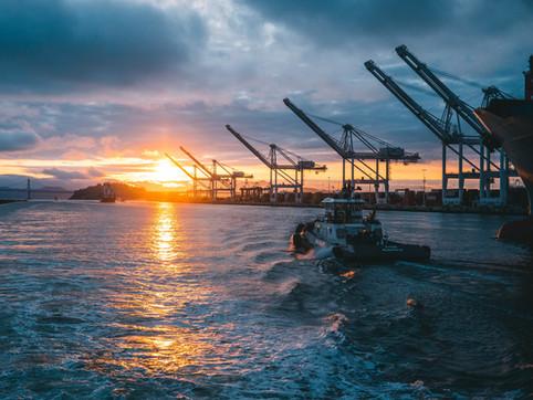 El desarrollo portuario es fundamental para el crecimiento del comercio exterior de Colombia.