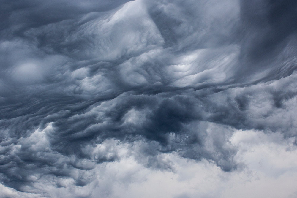 Picture of dark cloudy sky