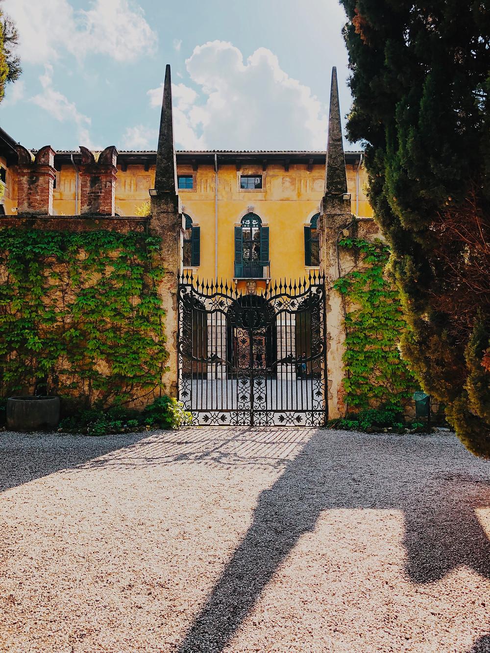 Entrance to Giardino Guisti