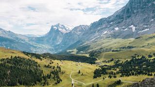 """Handwerkszeug: Handbuch """"Nachhaltigkeit in Schweizer Tourismusdestinationen"""""""