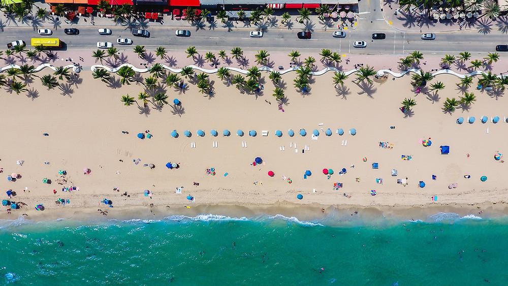 sandy beach in Naples Florida