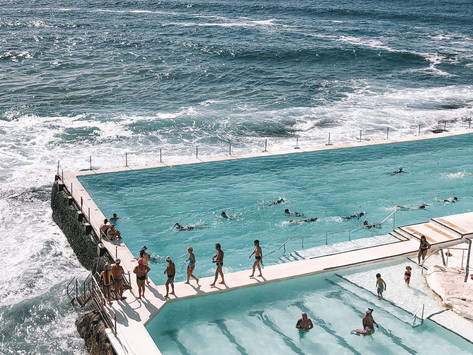Surfin Australia, Hot Sand, More Banana Bread - die Flat White