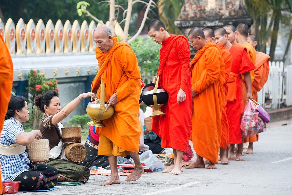 les moines laotiens, récit de voyage en asie du sud est