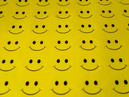 Mitä hymynaamat ei kerro...