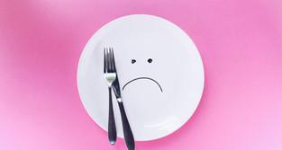 【韓国話題】おでこを30秒?今すぐできる食欲なくすダイエット方法5つ