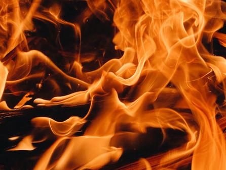 Scalea, in fiamme un'automobile in via Minniti