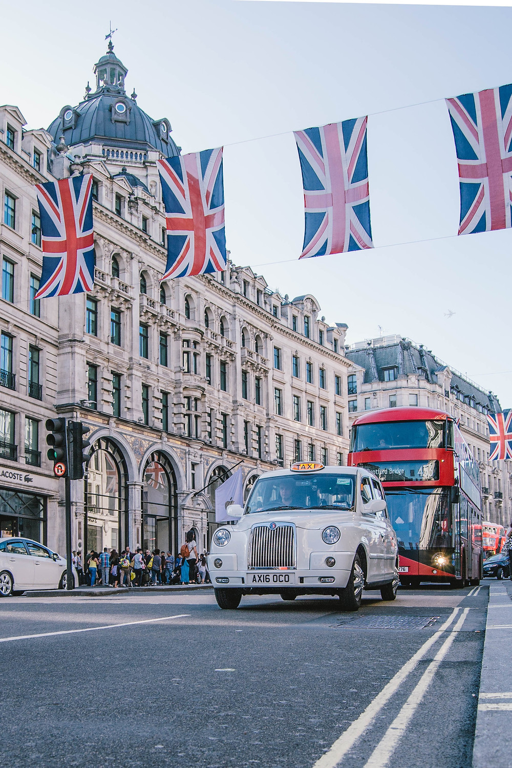 JOLT_ guide to becoming a freelancer in the UK - Oxford St