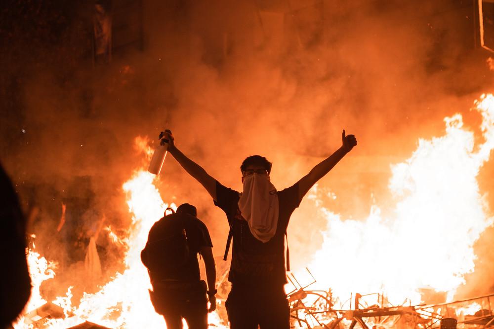 Barricada AFP protesta Santiago Chile