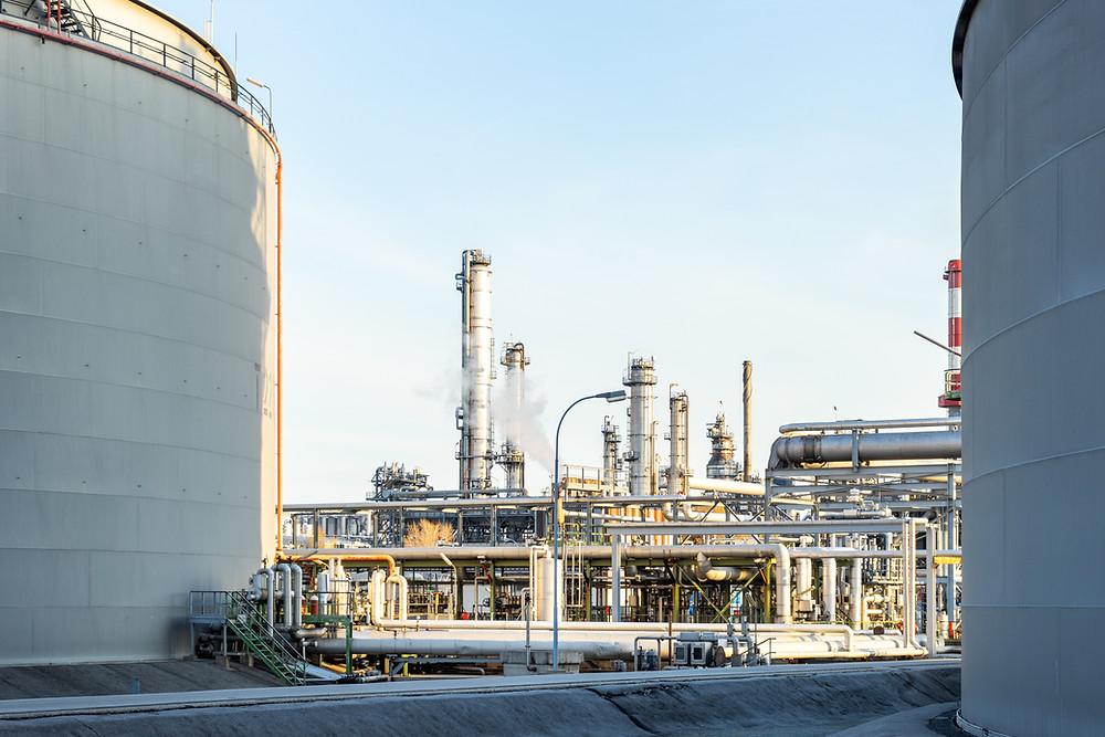 EE. UU. importará un 37% más de crudo en 2021 debido a disminución de la producción nacional