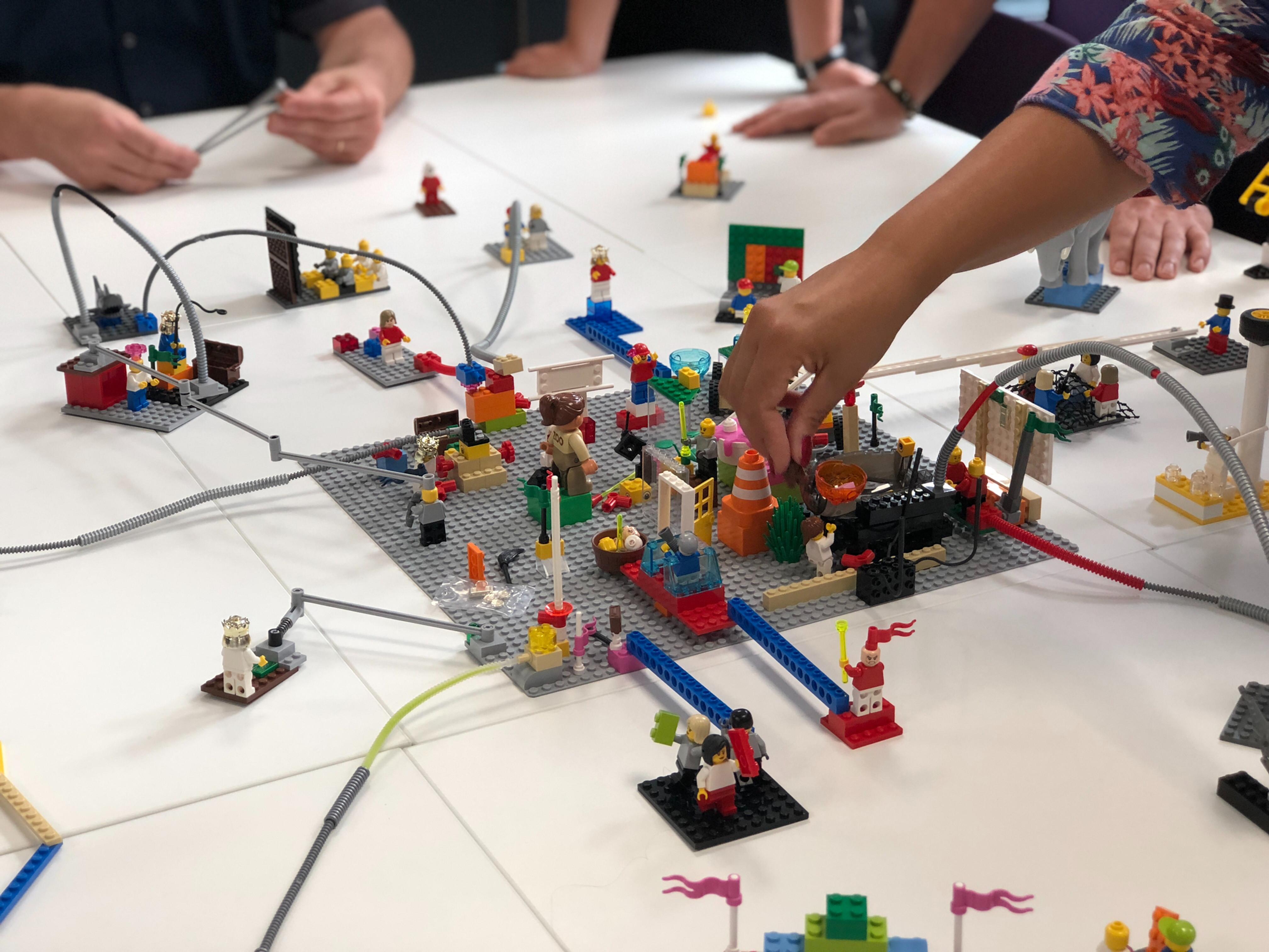 Hackathon a LEGO gyárban