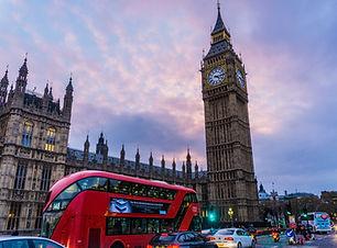 Bolleras viajeras - viajes para familias homoparentales de una o dos mamás .Turismo para mujeres lesbianas, bisexuales, transexuales, LGTBIQA+ y mujeres lesbian friendly. Viaja en con tus hijos e hijas, viajar con niños y peques. Big Ben, London, Londres, Reino Unido, Gran Bretaña, UK