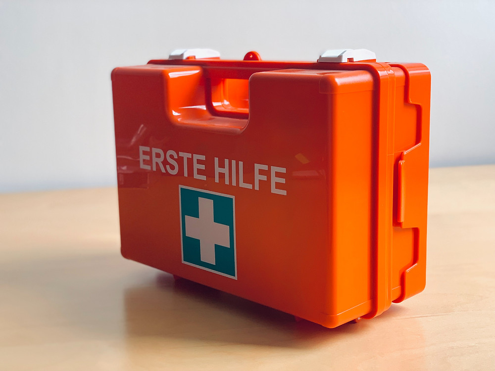 Carry first-aid kit on Ski Trip