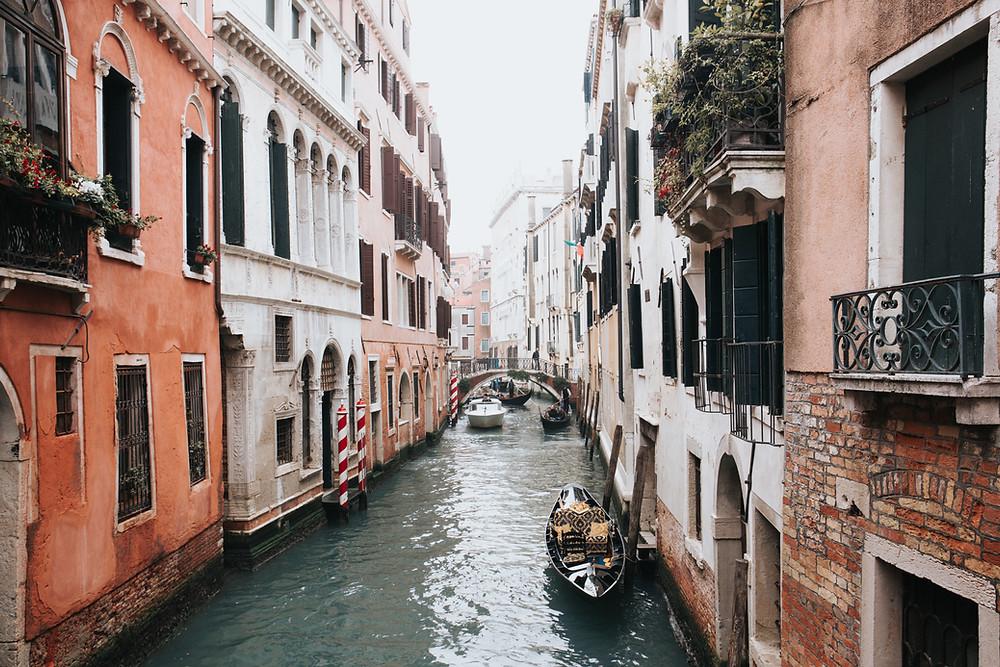 Veneza, sustentabilidade, acqua alta, cultura, patrimônio da humanidade, turismo, viagem sustentável, conhecer a Itália; melhor blog de viagens, melhor site de sustentabilidade, roteiro turístico em veneza, o que fazer em veneza, como chegar a veneza, o que visitar em veneza, pontos turísticos em veneza; gôndola