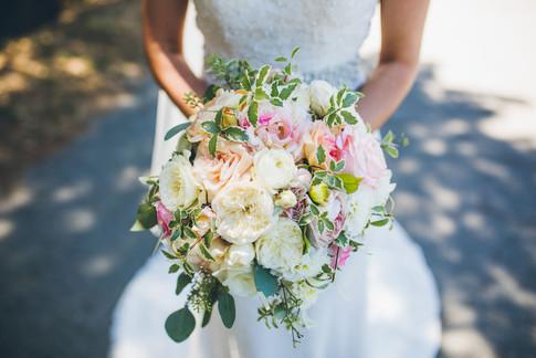 Elegant David Austin roses bridal bouquet