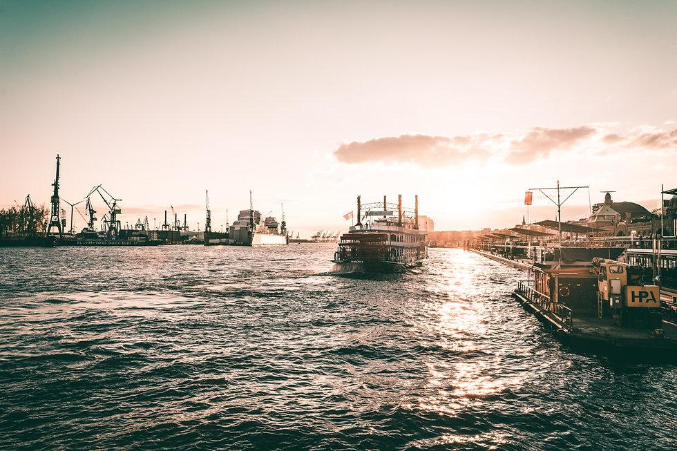 Hamburger Hafen - Schiffahrt