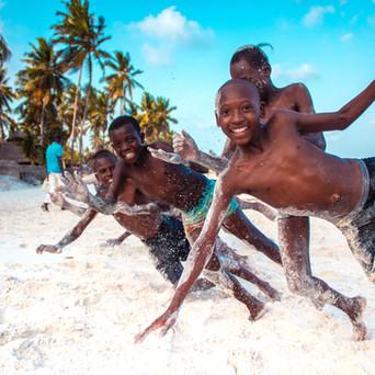 REASONS TO VISIT AND LOVE KENYA