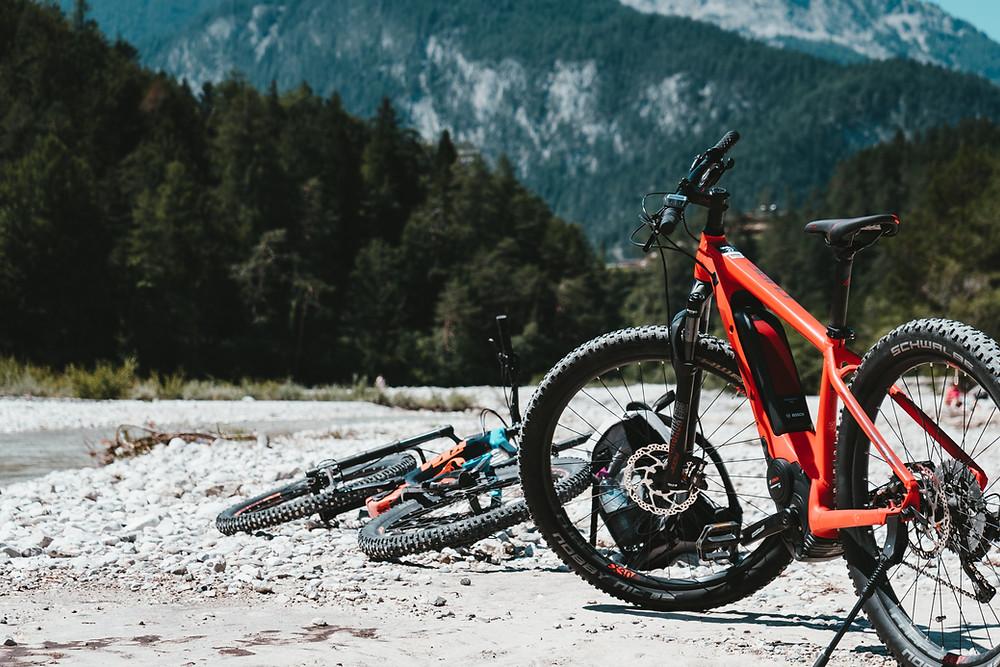 PURE! Das digitale Magazin - Nachhaltiger Biketrend: Wie umweltfreundlich sind E-Bikes wirklich?